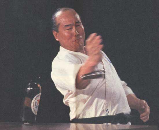 http://kanjiworld.s28.xrea.com/x/htm/image/karate2.jpg